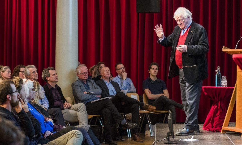In de Amsterdamse Rode Hoed verging de wereld alvast een beetje