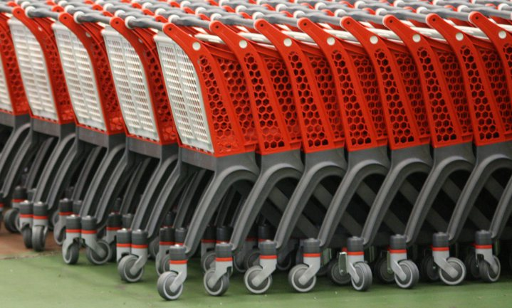 Supermarkten bang dat klant zich door verplicht mondkapje te veilig gaat voelen