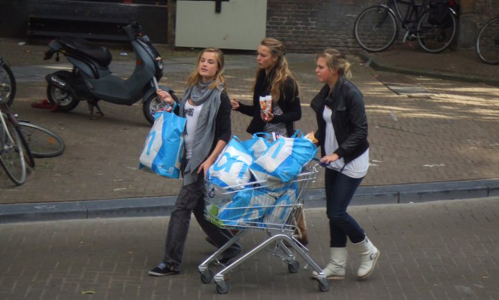 Webshopprijzen Albert Heijn lager in Nederland dan in België