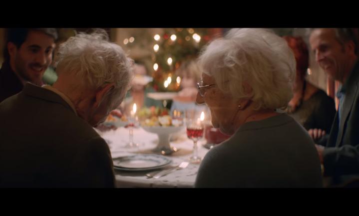 Supermarkten willen dat we van elkaar houden met kerst