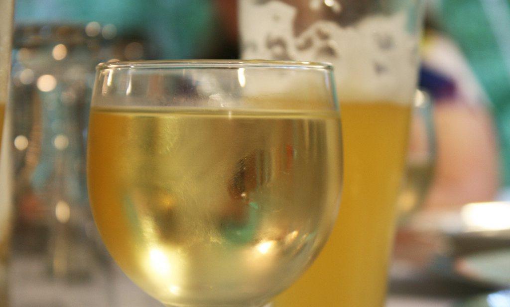 Zestig op honderd drinkers worden moe van rode wijn