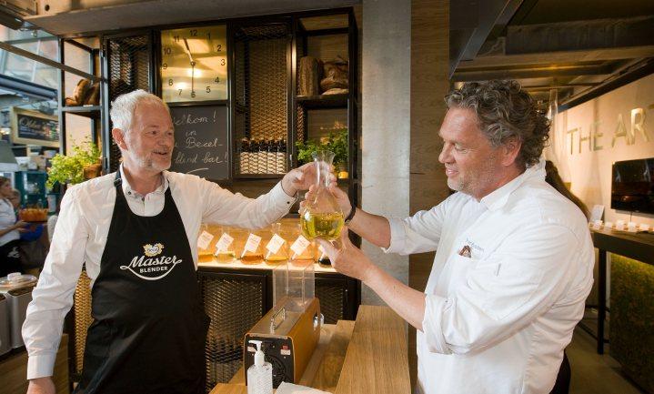 Becel opent eerste 'Olie Blend Bar' ter wereld