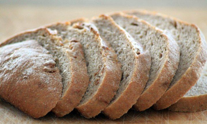 Wekelijks gooit Nederland weer 60 miljoen sneetjes brood weg