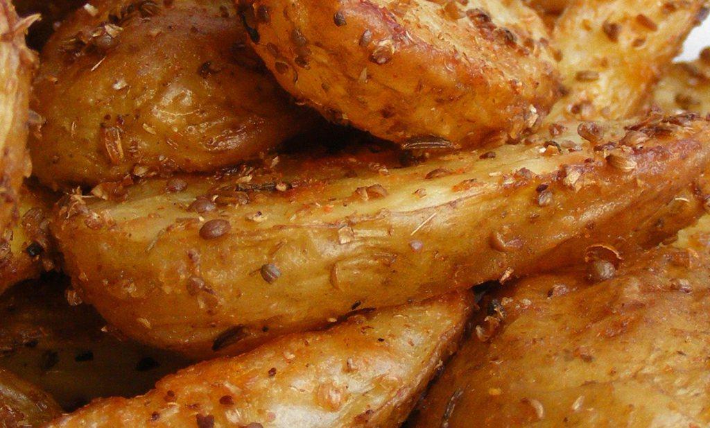 Kruidige aardappelpartjes uit de oven
