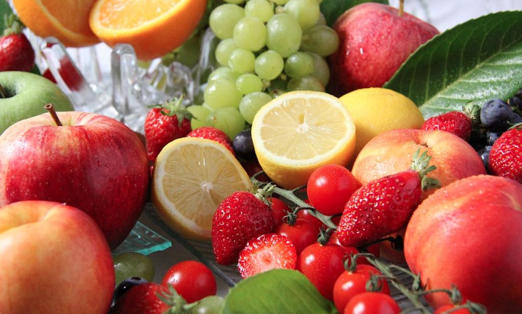 Kunnen we te veel fruit eten? Het antwoord van anti-suikerdokter Lustig