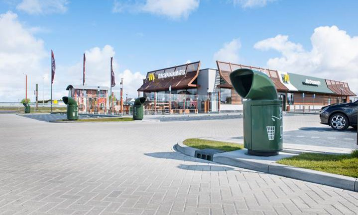 McDonald's gaat zelfs het afval uit de prullenbakken recyclen