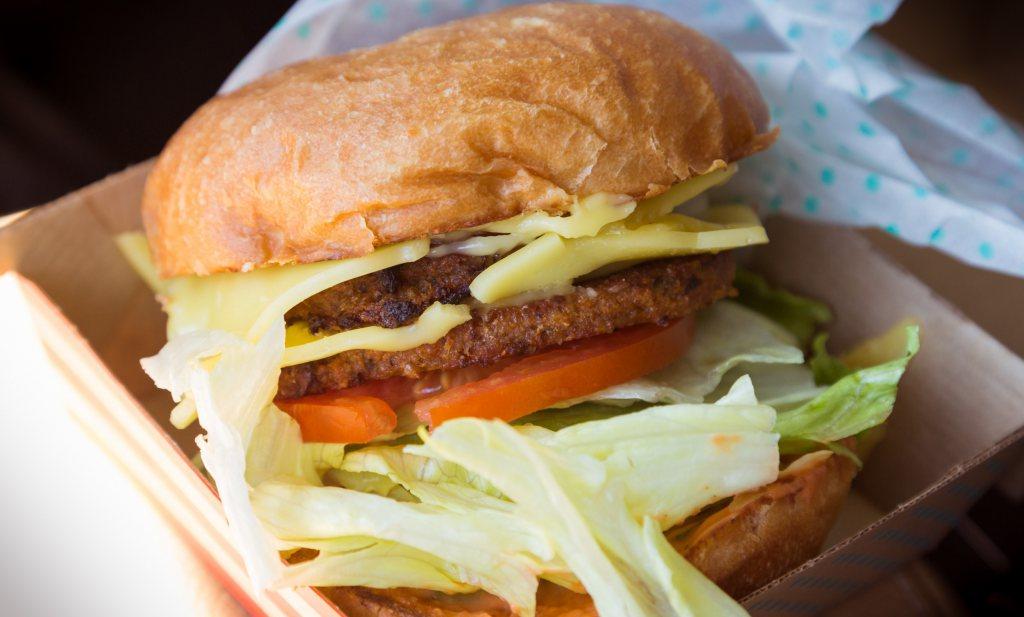Nestlé laat zich het vegetarische vlees niet uit de mond stoten