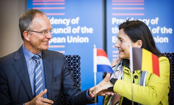 Stroomtekort en Vlamingen gooien roet in eten bij ondertekening klimaatafspraken Benelux