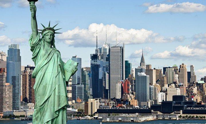 Stad New York daagt oliegiganten wegens klimaatschade