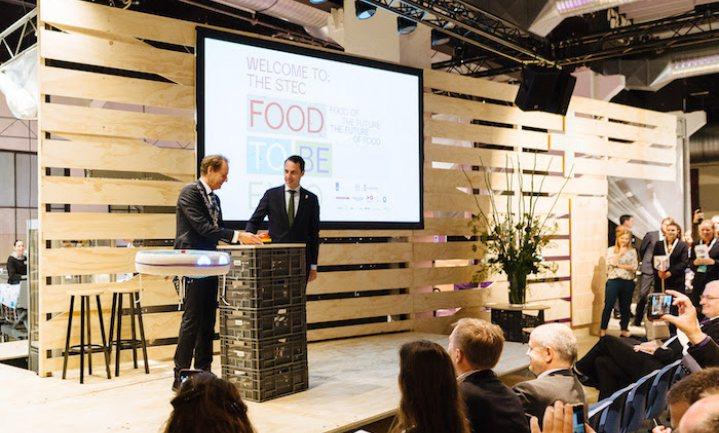 Van Dam toont EU collega's zijn kijk op toekomst voedsel