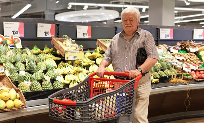 Winkel ín een supermarkt voor Franse senioren
