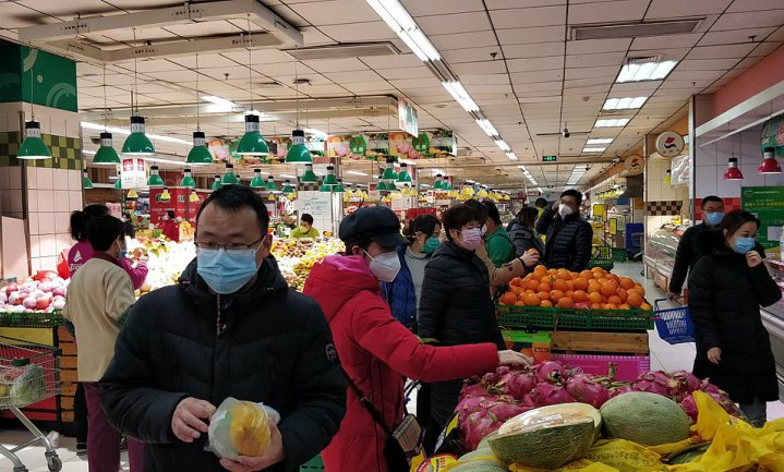 Mondmaskers verplicht in Belgische supermarkten, gesteggel over handhaving