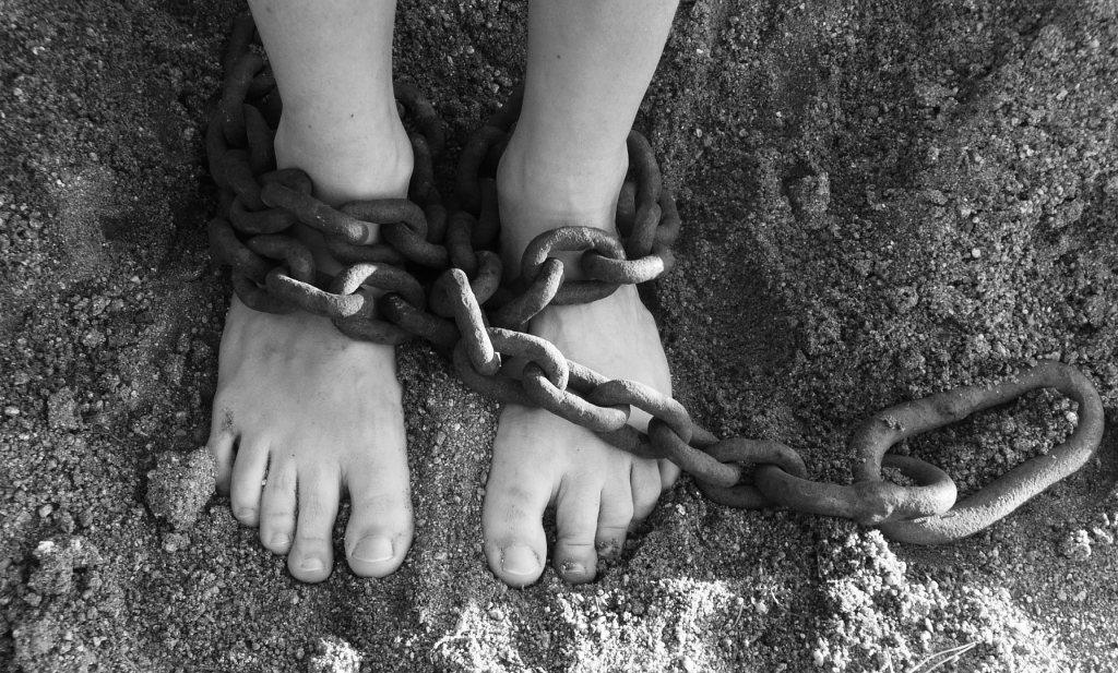 Wie is de grootste slaaf? Wie heeft de zwaarste ketenen?