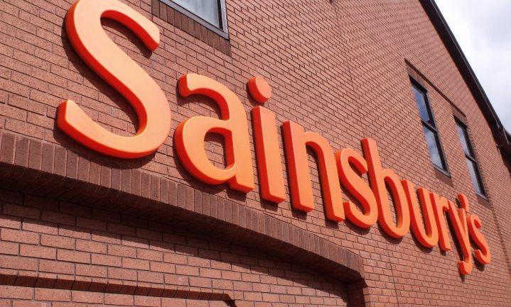Britse supers Sainsbury's en Asda kiezen voor fusie in strijd tegen discount en online