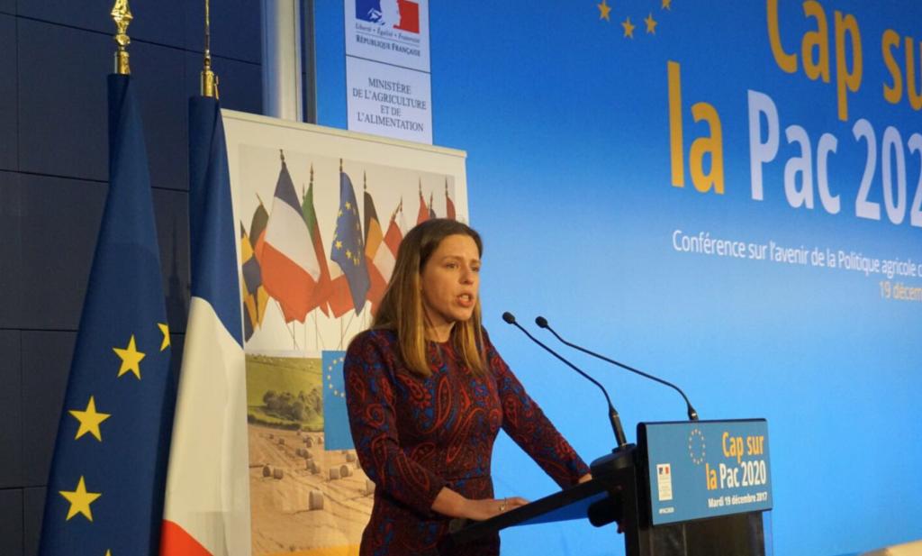 Minister Schouten pleit in Parijs voor risicoafdekking en afzetsamenwerking boeren