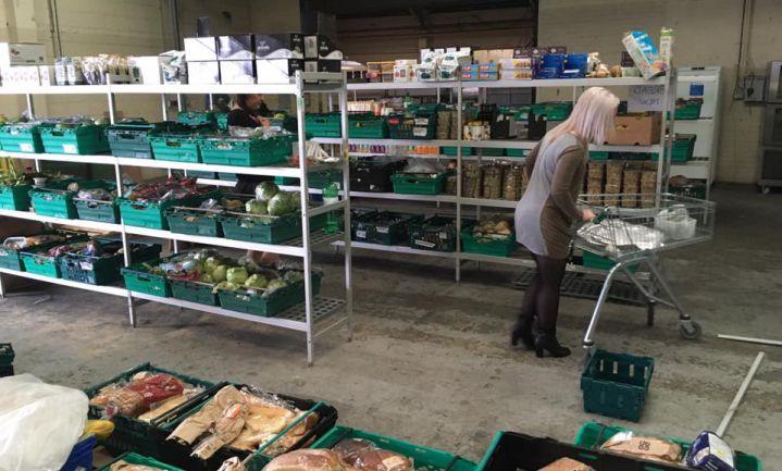 Eerste Britse anti-voedselverspillingssuper geopend