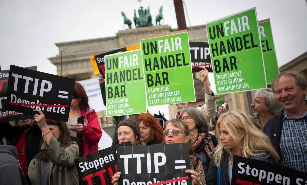 EC wil 'mythes' rond TTIP wegnemen