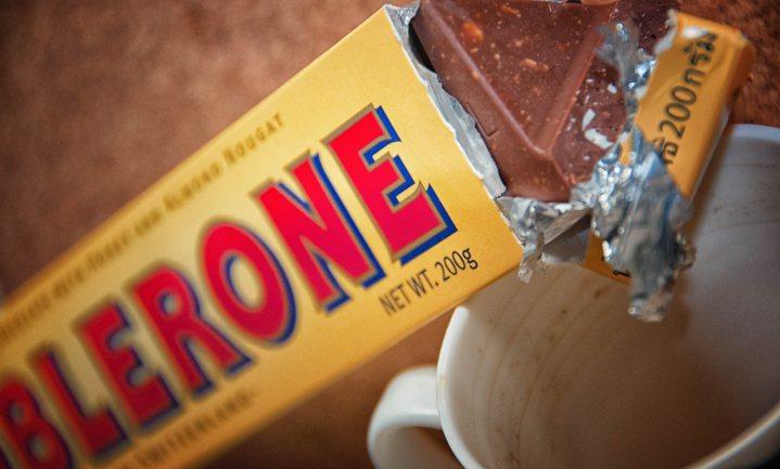 Meer koekjes en chocolade door Corona, toch trekt Mondelēz winstverwachting in