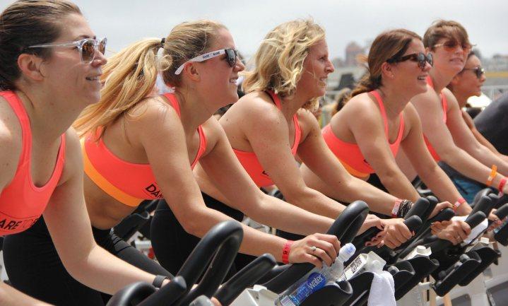 Sportsupplementen even effectief als gewone koolhydraten, ook voor vrouwen