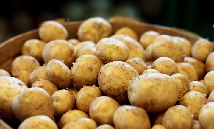 Consumentenprijs van aardappelen en rundvlees omlaag; bij boeren alle prijzen omlaag