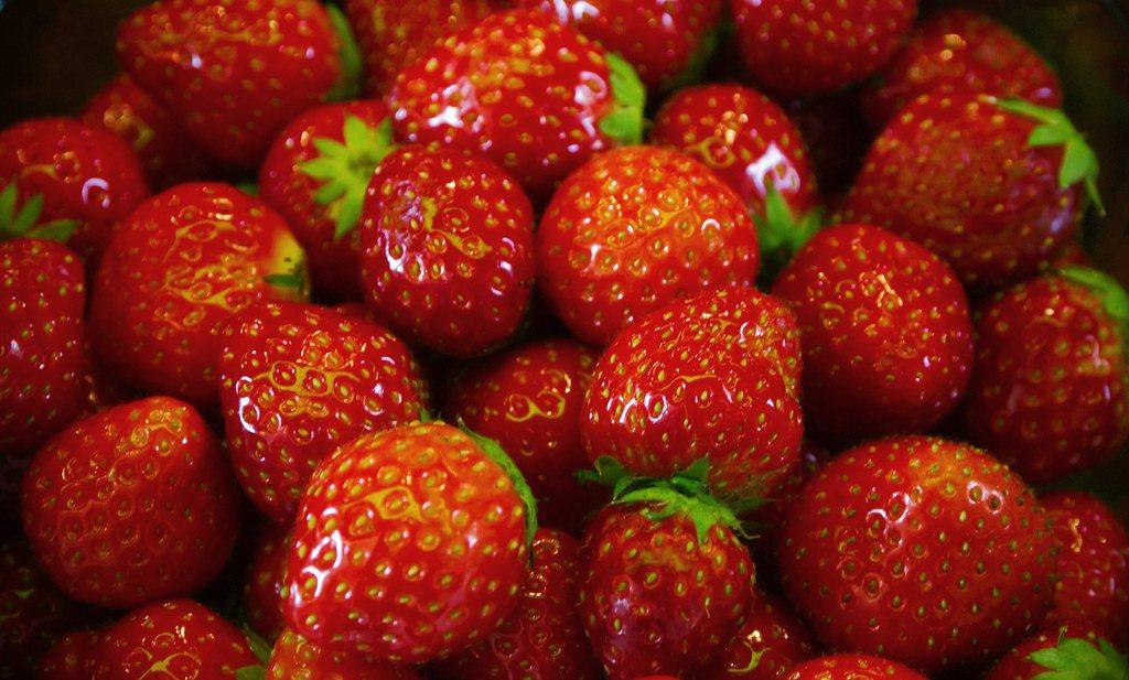 Trouw jaagt aardbeienliefhebbers schrik aan met NVWA-cijfers