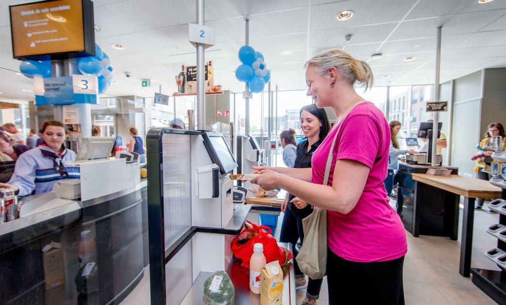 Deliveroo redde horeca, meer pinnen in supermarkt en Limburgers nieuwsgierig naar antistoffen