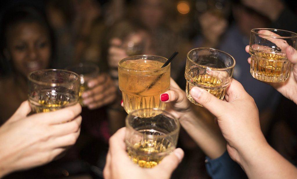 Hersenen onthouden eerste slok alcohol