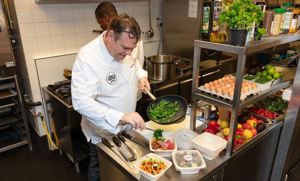 Albert Heijn kookt en bezorgt je favoriete Allerhande-maaltijd thuis