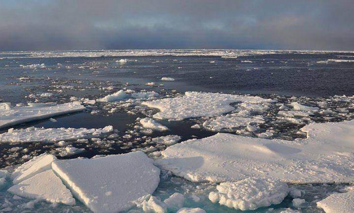 Britse onderzoekers 'onthutst': '28 biljoen ton ijs gesmolten sinds 1994'