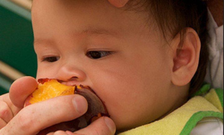 VS: kinderen van arme moeders raken achter door slechter eten