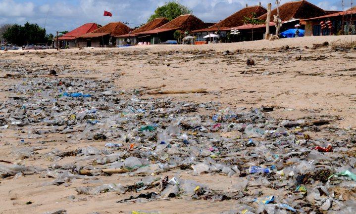Op Bali is het 'plasticseizoen' weer aangebroken