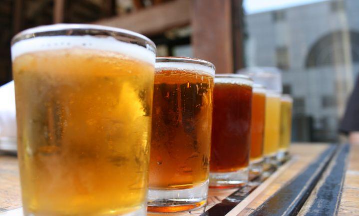 AB InBev realiseert hogere omzet maar verkoopt minder bier
