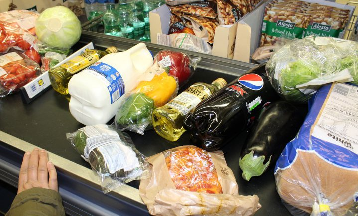 Amerikaan gooit 3 keer zoveel voedsel weg als Belg of Nederlander