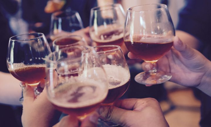 Vrouwen drinken inmiddels net zo veel als mannen