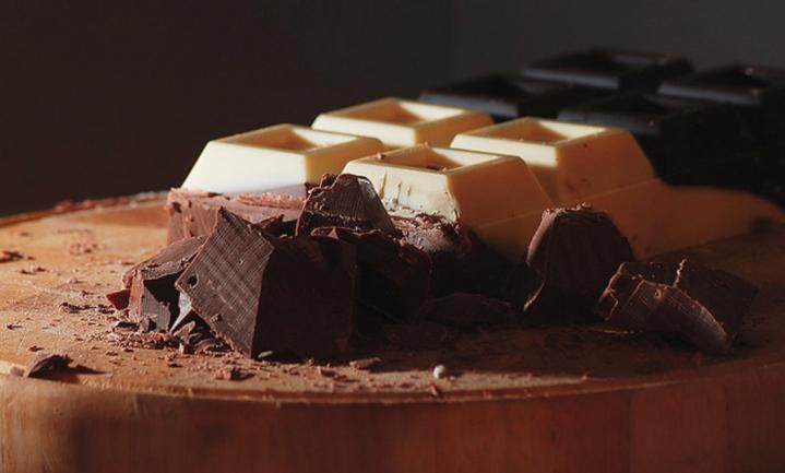 Het vet in chocolade is ongevaarlijk, maar maakt niet mager