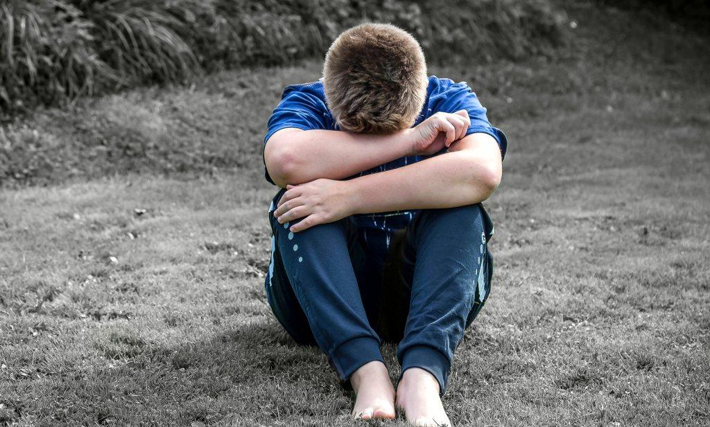 Britten schrikken van de weegschaal die Amsterdam gebruikt om kinderen te wegen