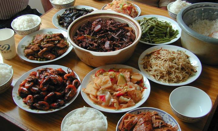 Xi Jinping trekt de Chinese broekriem alvast aan door voedselverspilling te agenderen