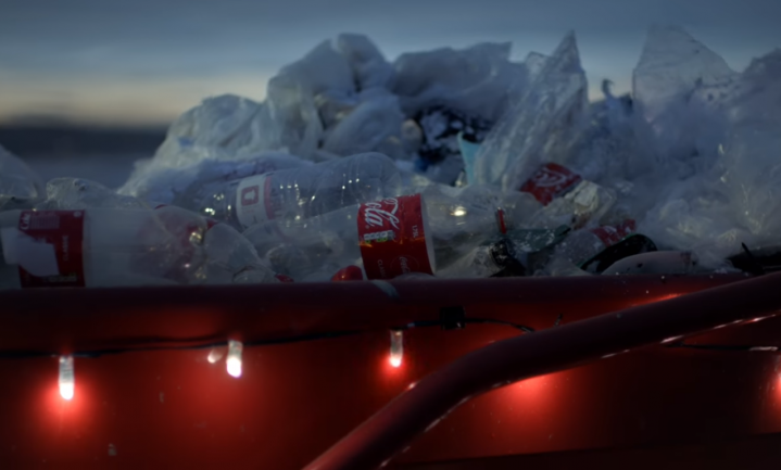 Greenpeace maakt parodie op kerstreclame Coca-Cola