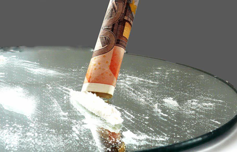 Lockdowns wijzen uit waar we cocaïne snuiven: thuis op de bank