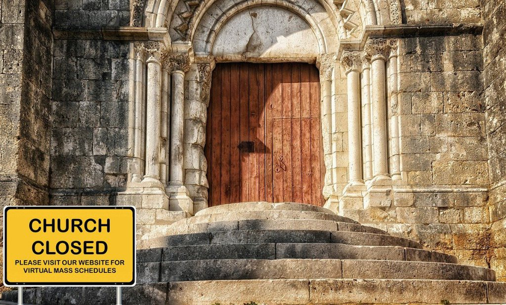 Kerken dicht maar niet in Nederland, verschillende noodtoestanden tot voorjaar 2021
