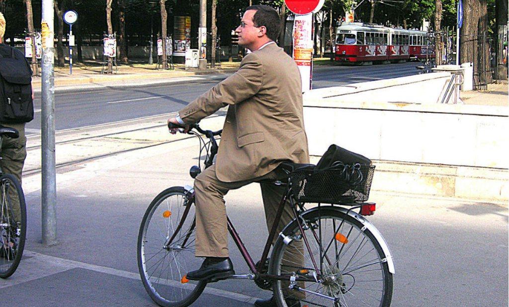 Macron stuurt Fransen op de fiets naar het werk