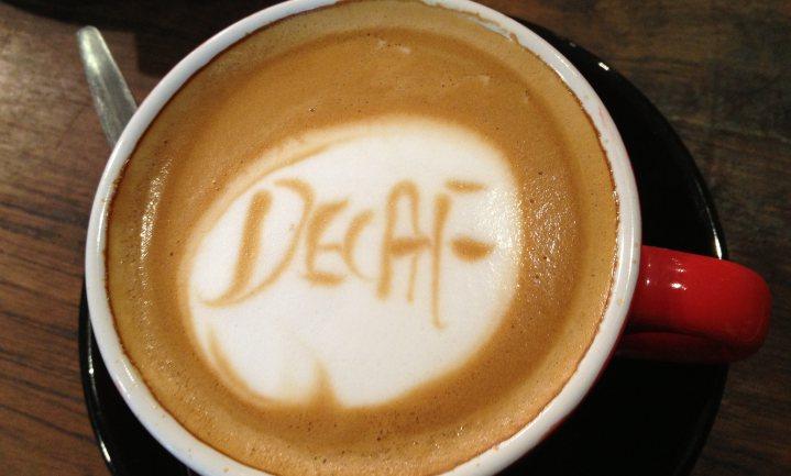 Koffie - met of zonder cafeïne - is goed voor de lever