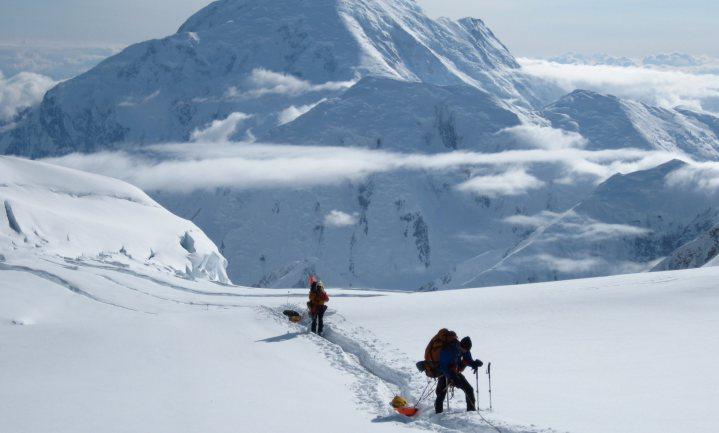 Bergbeklimmers moeten hun poep mee naar huis nemen