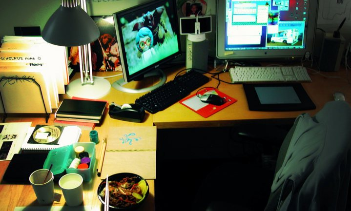De voor- en nadelen van lunchen achter je beeldscherm