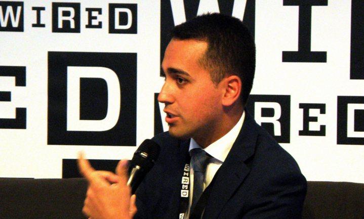 Italiaanse vice-premier jut gele hesjes op tegen Franse president