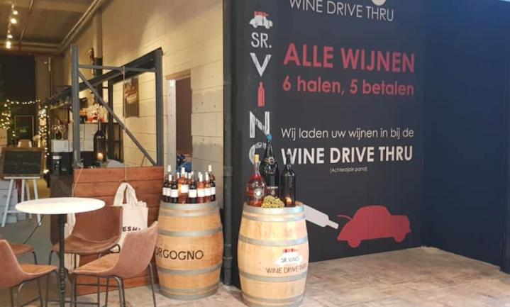 Autorijden en wijn kopen tegelijk kan nu ook in Nederland