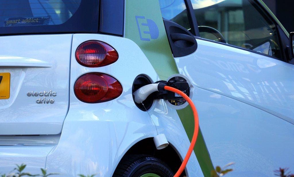 Publieke laadpalen voor elektrische auto's amper gebruikt
