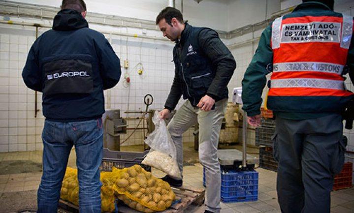 Voedselfraude-operatie Europol levert 2.500 ton 'genept' voedsel op