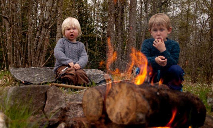 Kind op overlevingstocht het bos in sturen, goed voor de darmen