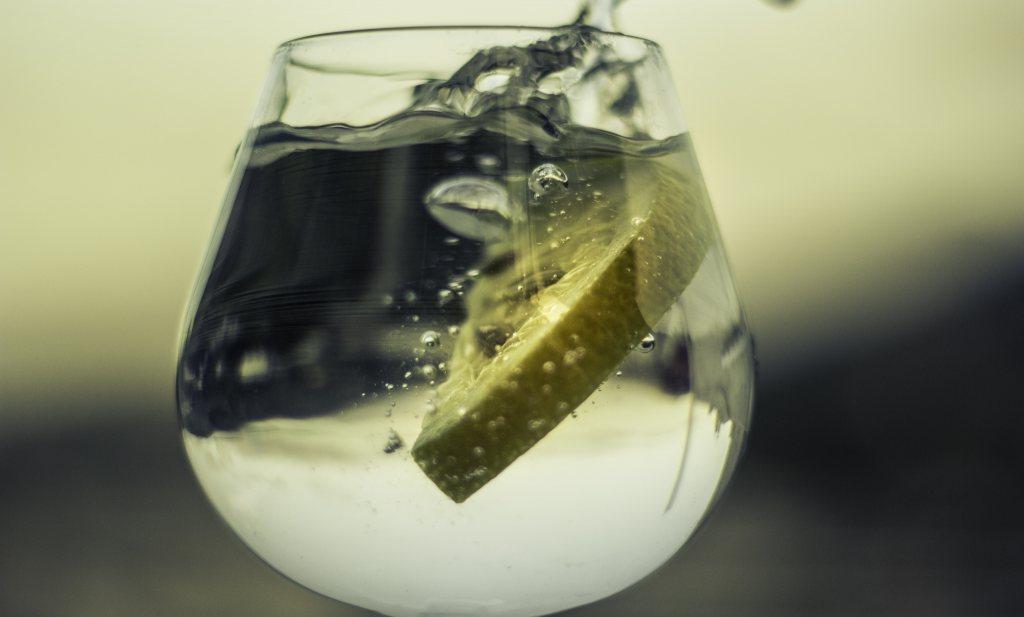 Frisdrankenkoepel adviseert water tijdens feestdagen